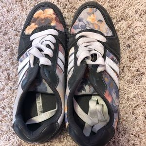 Cute forever21 flowered and gray sneakers